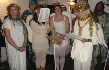 Nativity angels 1000