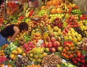 Fruit-and-vegetable-market-stall