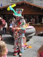 balloon-making clown